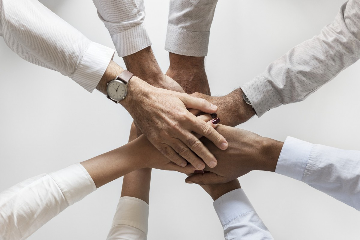 5 Essential People To Add To Your Real Estate Team
